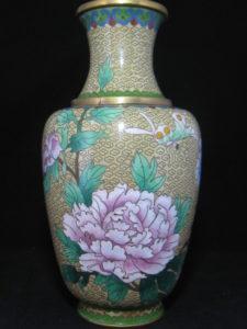 中国の七宝花瓶や古美術品は骨董買取の福岡玄燈舎にお任せください