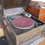 ビクター蓄音機は骨董買取の福岡玄燈舎にお売り下さい
