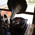 ラッパ蓄音機は骨董買取の福岡玄燈舎にお売り下さい