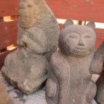 招き猫の石仏